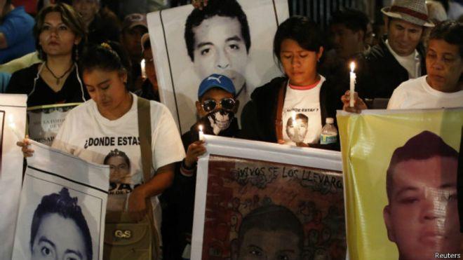 Ayotzinapa: Padres de estudiantes refutan a la procuraduría