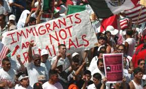 Gobierno de Obama evalúa estrategia legal para restituir medidas migratorias