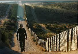 Hombre murió de paro cardiaco en arresto en frontera de EEUU