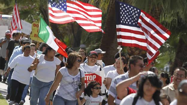 Bibliotecas de NY informarán a inmigrantes sobre ciudadanía
