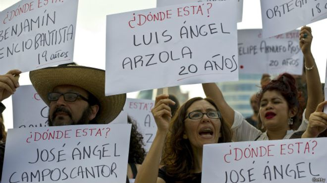 México: investigación por los 43 de Ayotzinapa ha descubierto 60 fosas