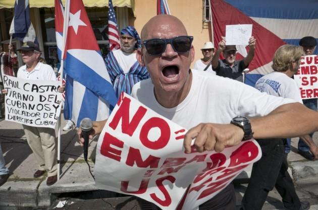 Exilio cubano teme perder a medio plazo sus beneficios migratorios en EE.UU.
