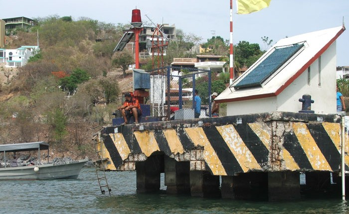 Muelles de Zihuatanejo, bajo estricta supervisión