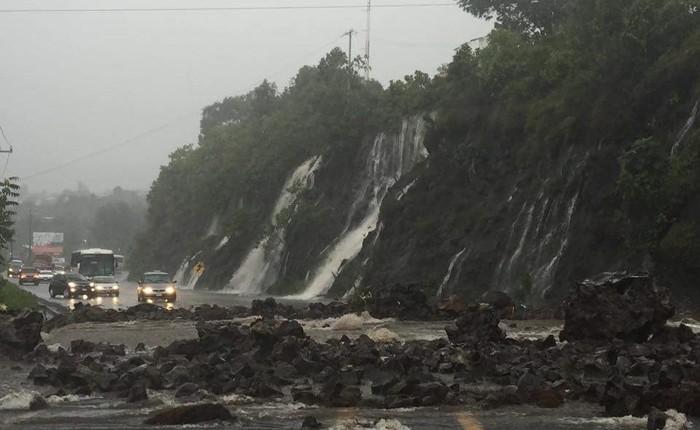Deslave en carretera de Uruapan se pudo evitar: PC