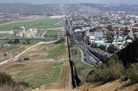 Rick Perry dice que Trump no entiende la situación en la frontera EEUU-México