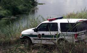 Federales en Texas rescatan a 3 inmigrantes de Río Bravo