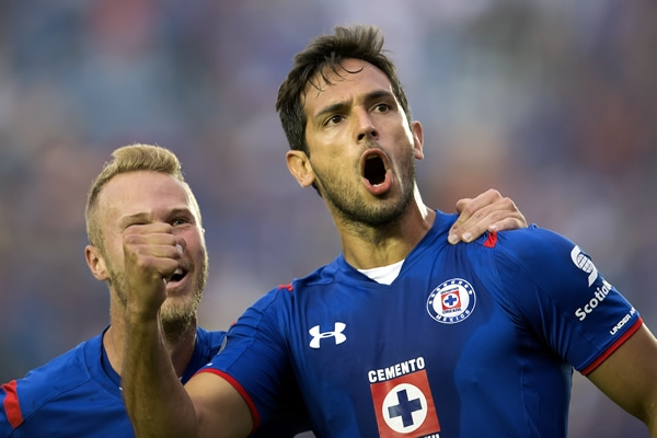 Olimpia reclama a Cruz Azul pago por Roque