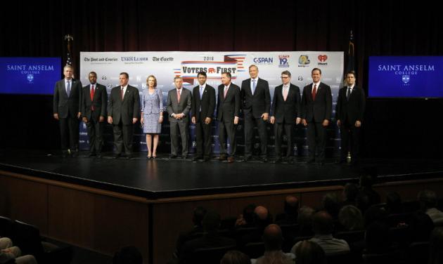 Precandidatos republicanos se reúnen y critican inmigración