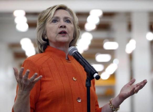 Clinton se distancia de Obama en materia de cambio climático