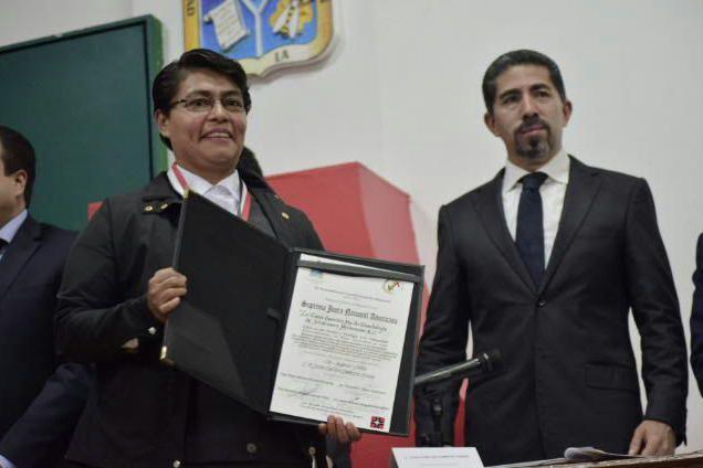 Casa hogar de Zitácuaro recibe la presea Suprema Junta