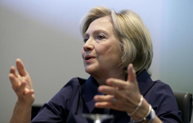 Hillary Clinton no se disculpará por correos electrónicos