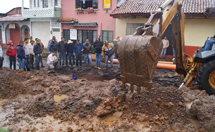 Patricia afecta servicio de agua potable en Uruapan