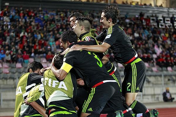 Chile aplaudirá los goles que metamos: Lara