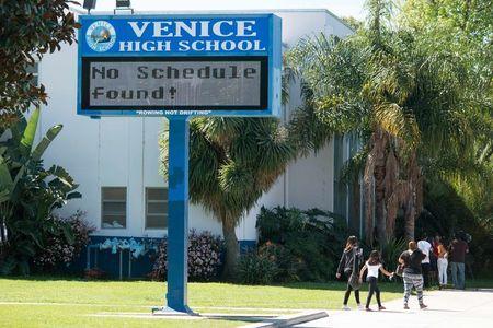 Todos los colegios de Los Ángeles, cerrados por una amenaza