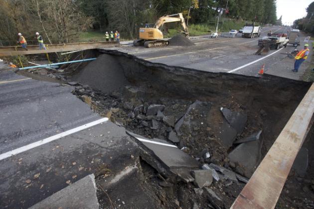 Cierran autopista entre Washington y Oregon por tormenta
