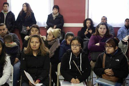 Caso sobre inmigración en EEUU podría fijar límites al poder presidencial