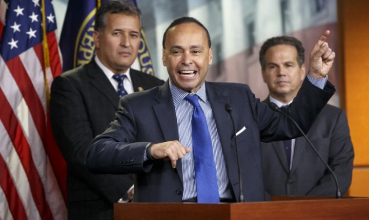 Demócratas están furiosos con el gobierno por deportaciones