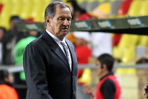 Pese a las derrotas en Liga y Copa, Meza no se va