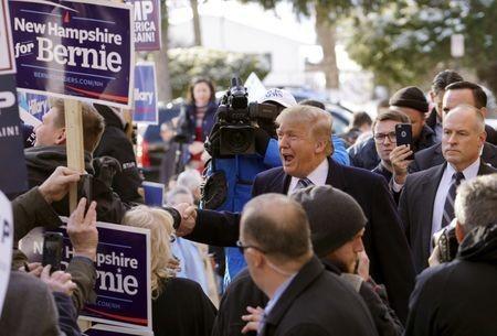 Multimillonario Trump y senador Sanders ganan primarias de EEUU en Nuevo Hampshire