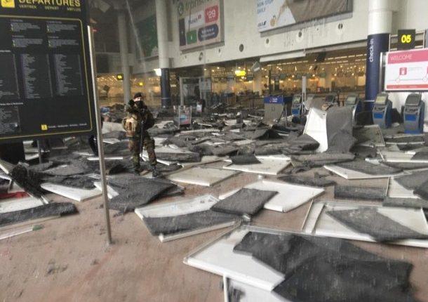 Atentados en aeropuerto y metro de Bruselas causan al menos 30 muertos