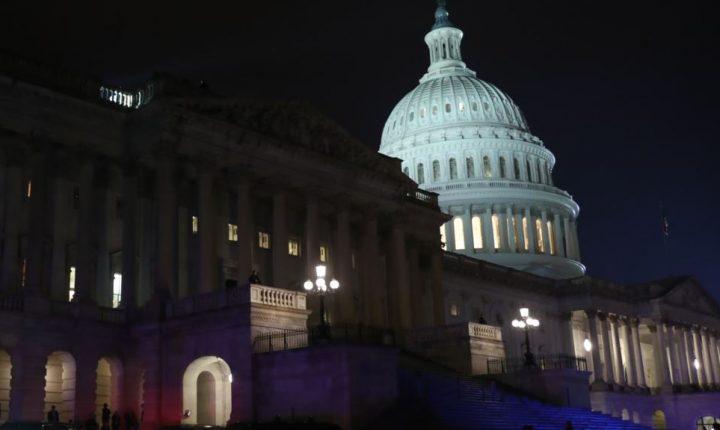 Primera victoria republicana para derogar el Obamacare