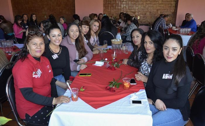 Edil de Puruándiro festeja a las mujeres del Ayuntamiento