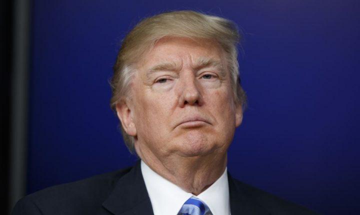 Trump planea cambiar regulaciones a industria bancaria