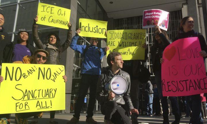 Juez de California bloquea orden sobre ciudades santuario