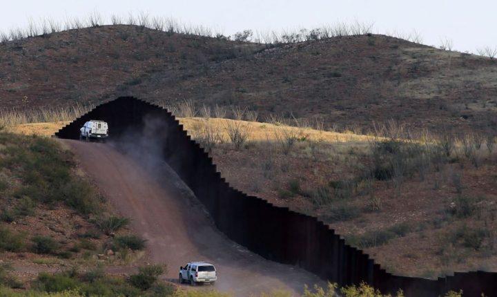 Kelly: Cruces ilegales en la frontera en nivel más bajo en 17 años