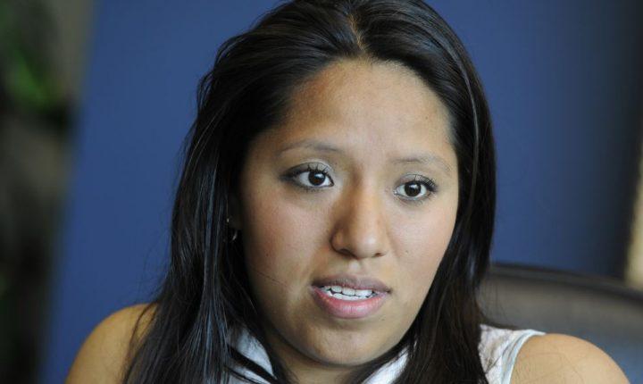 Ordenan deportación de soñadora por violación de tráfico