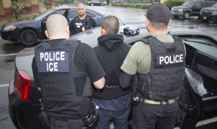 Abogados demandan a EE.UU. para ayudar a inmigrantes