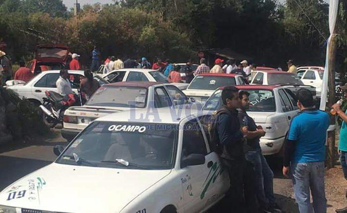 Bloquean la carretera San Felipe de Ocampo
