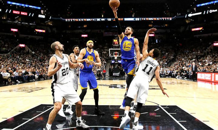 Warriors barrió a Spurs y disputará su tercera final consecutiva
