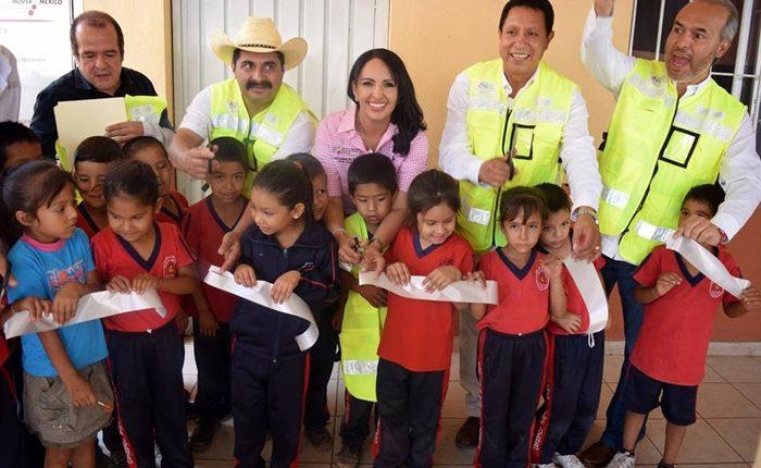 Inauguran obras de rehabilitación en escuela de Tzitzio