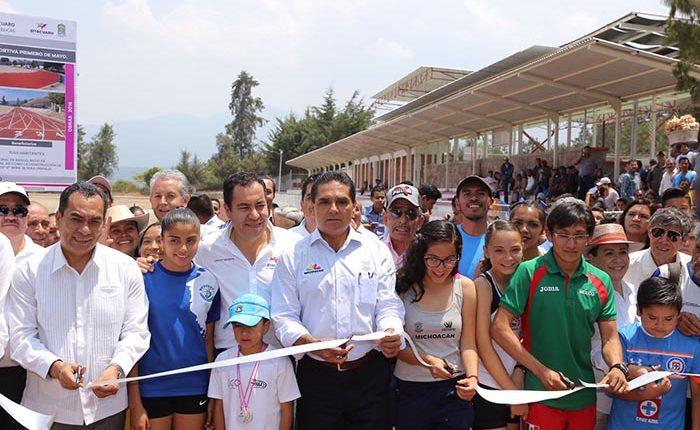 Entregan instalaciones deportivas en San Juan Zitácuaro