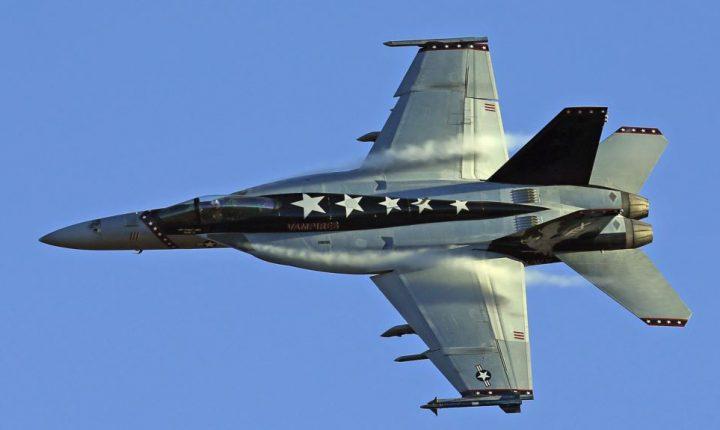Avión-caza de EE.UU. derriba jet de combate sirio