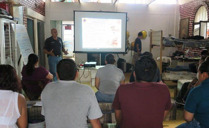 Imparten cursos de protección civil a empresas