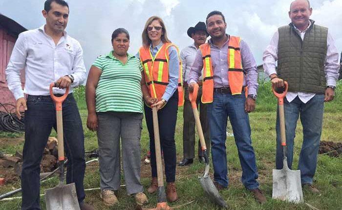 Inicia construcción de viviendas para 35 familias de Huiramba