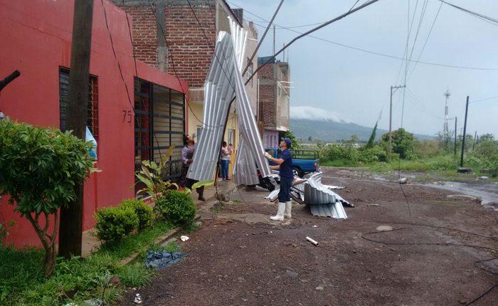 Tromba en Los Reyes afecta a más de 30 casas