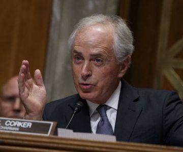 """Senador republicano pide """"cambios radicales"""" en la Casa Blanca"""