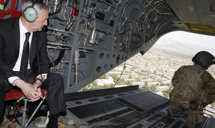 Equipo de seguridad de Trump considera opciones para Afganistán